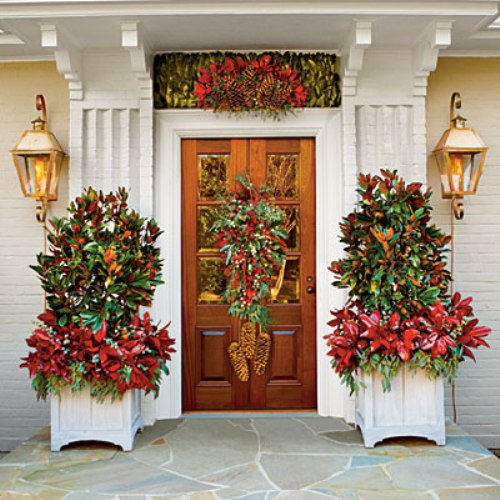 christmas decorating ideas accent the entrance - Unique Christmas Decorations