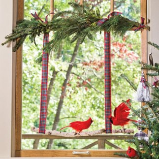 Christmas Decorating Ideas: Decorate The Windows