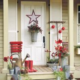 Christmas Decorating Ideas: Garden Theme Accent At The Door