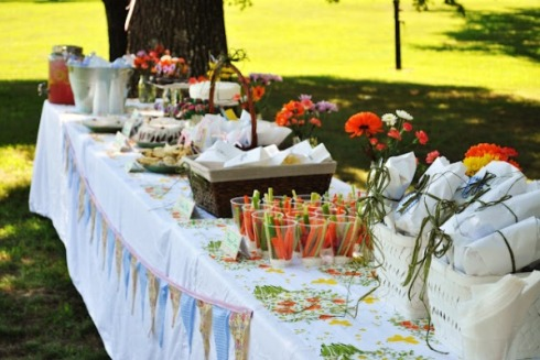 Backyard bash for bridal shower