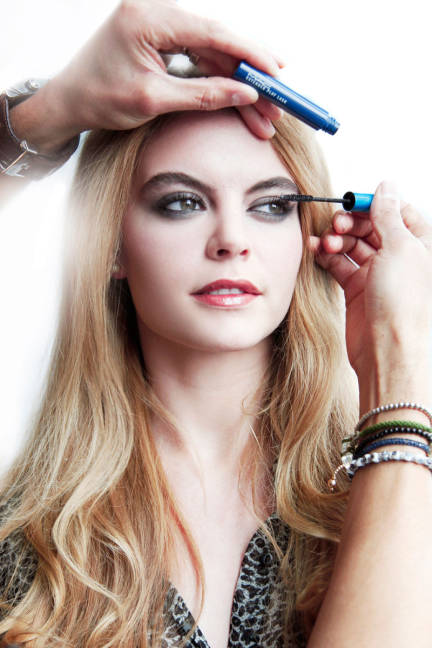 Apply Mascara Generously For The Perfect Smokey Eye Makeup