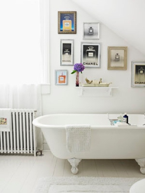 Bathroom Decor Ideas- Display Artwork