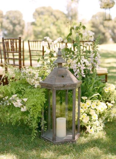 Vintage Wedding Decor Candles & Lanterns