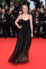 Cannes Best Dressed-Jess Weixler In Armani Prive