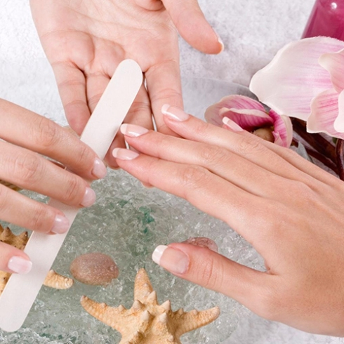 Filing Your Nails Back & Forth - Manicure Mistakes (500x500)